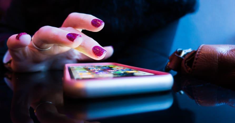 Casino móvil en línea: ¿Aplicaciones o versiones del navegador?